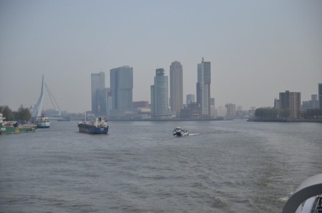 Bild: Rotterdam  Klein-Manhatten  Pausenblicke