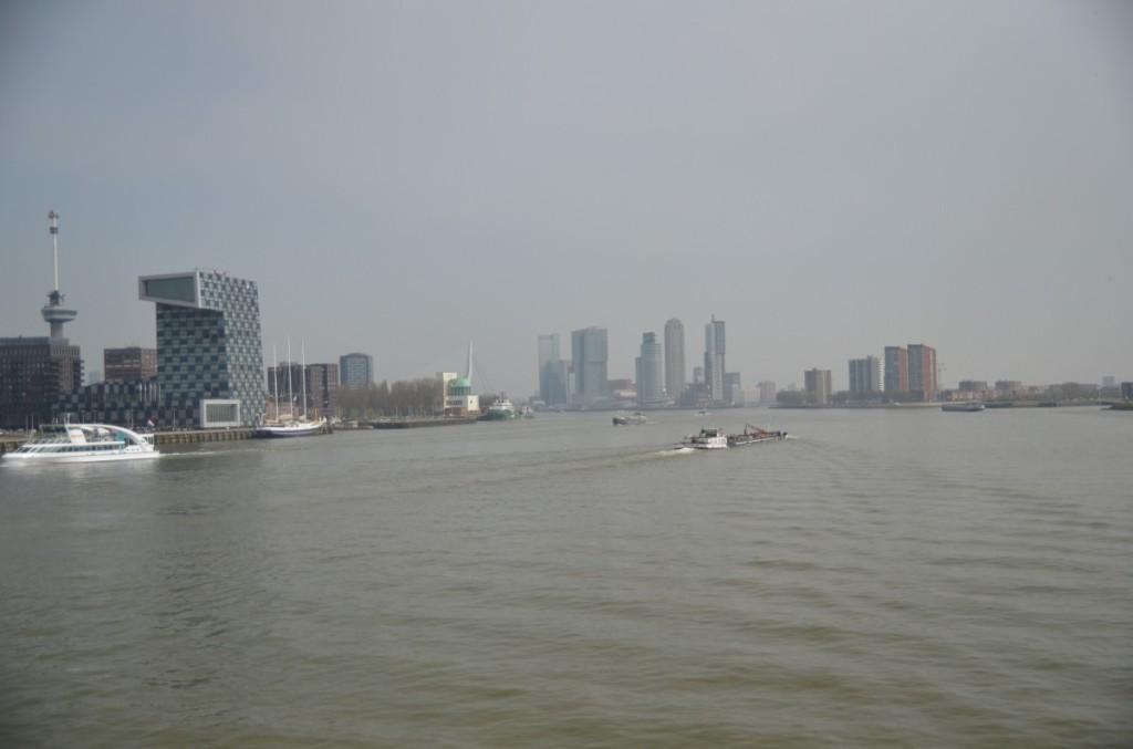Bild: Rotterdam  Erassmusbrücke Pausenblicke