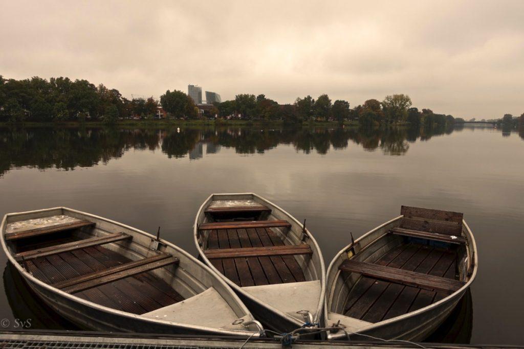 Bild: Ruhende Boote Aasee Pausenblicke Münster Herbst
